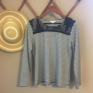 Women's Black and White Long Sleeve Top w/ stripes